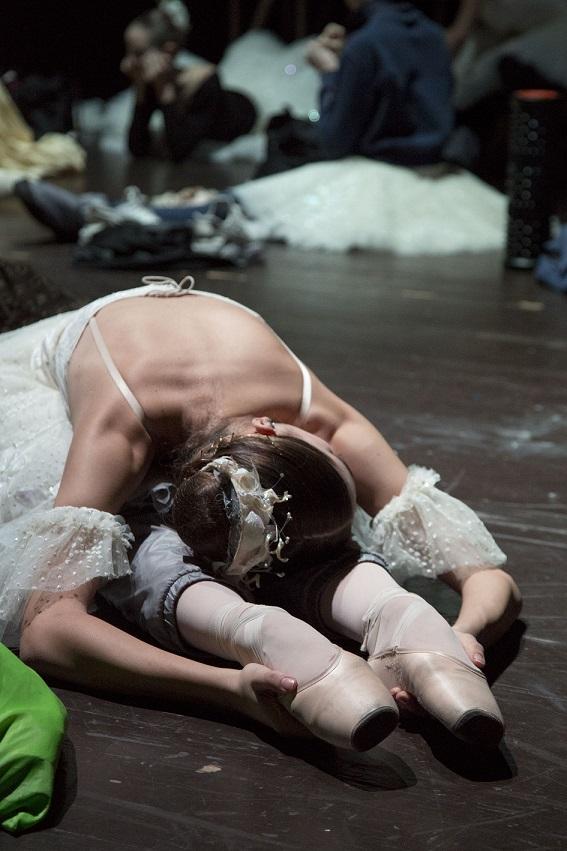 ballerina riscaldamento punte